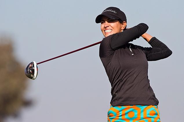 A golfista brasileira Victoria Alimonda Lovelady em disputa classificatória no Marrocos