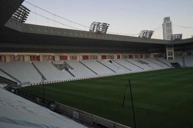 Estádio do Al-Sadd, em Doha, no Qatar, que já conta com ar-condicionado para as arquibancadas e para o campo (Marcel Merguizo/Folhapress)
