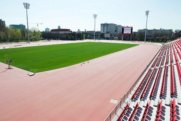 Estádio de atletismo dos Jogos Pan-Americanos de Toronto na York University (Divulgação)