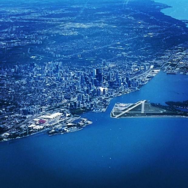 Imagem aérea de Toronto (Marcel Merguizo)