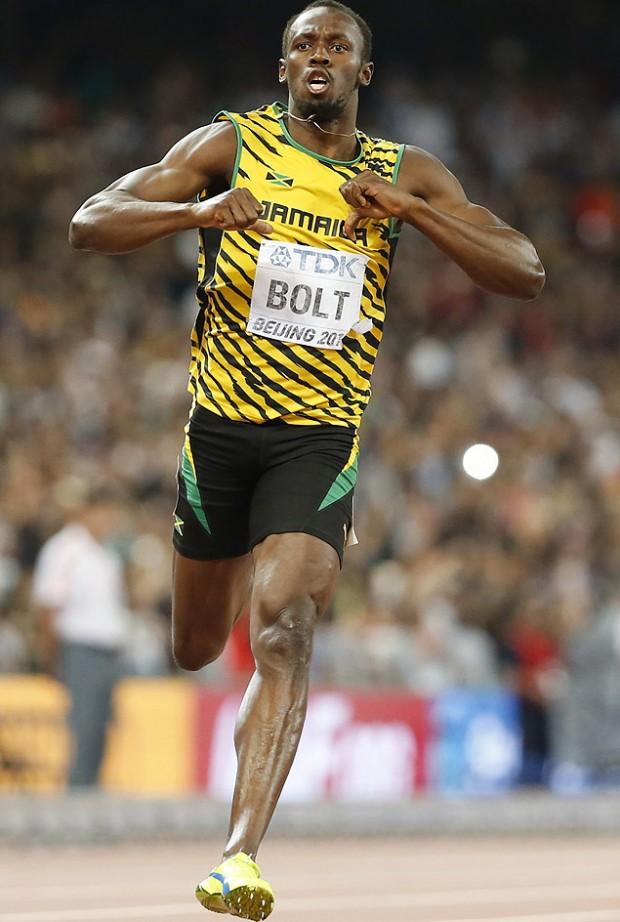 O jamaicano Usain Bolt comemora o ouro nos 200 m no Mundial de Pequim, em agosto (Lucy Nicholson/Reuters)