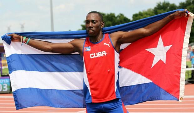 O saltador cubano Pedro Pablo Pichardo, favorito a medalha no atletismo na Rio-2016  (Alejandro Ernesto/Efe)
