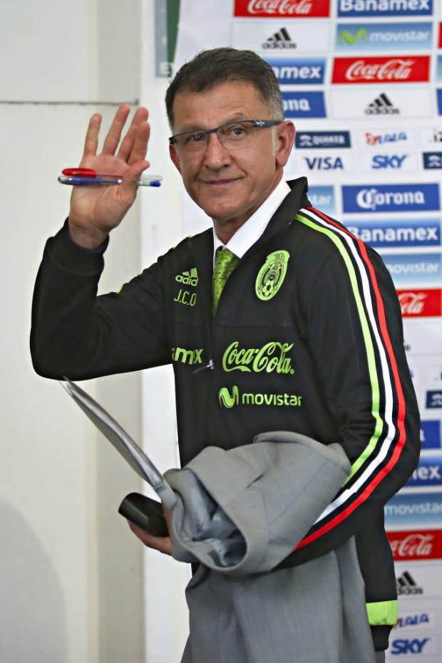 O técnico Juan Carlos Osorio em sua apresentação na seleção do México (Agustin Cuevas/Brazil Photo Press/Folhapress)