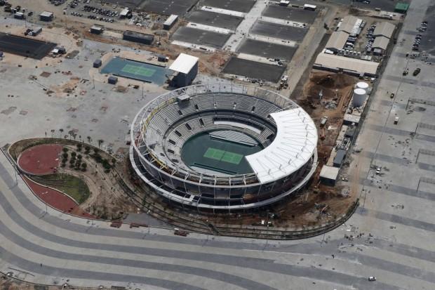 Vista aérea da quadra central de tênis do Parque Olímpico da Rio-2016 (Marcelo Sayão/EFE)