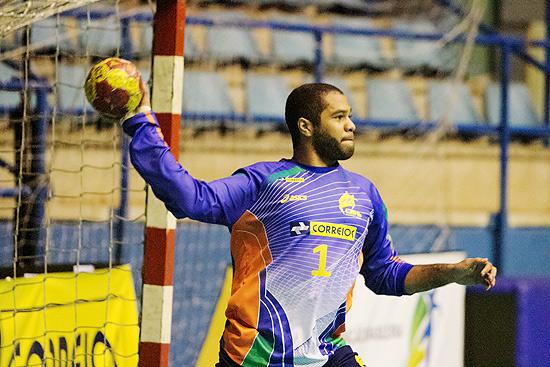 Cesar Bombom treina com a seleção (Cinara Piccolo/Divulgação/Photo&Grafia)