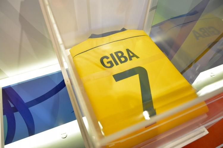 Camisa do jogador de vôlei Giba, campeão olímpico em Atenas-2004 (Vaner Casaes/Bapress/Divulgação)